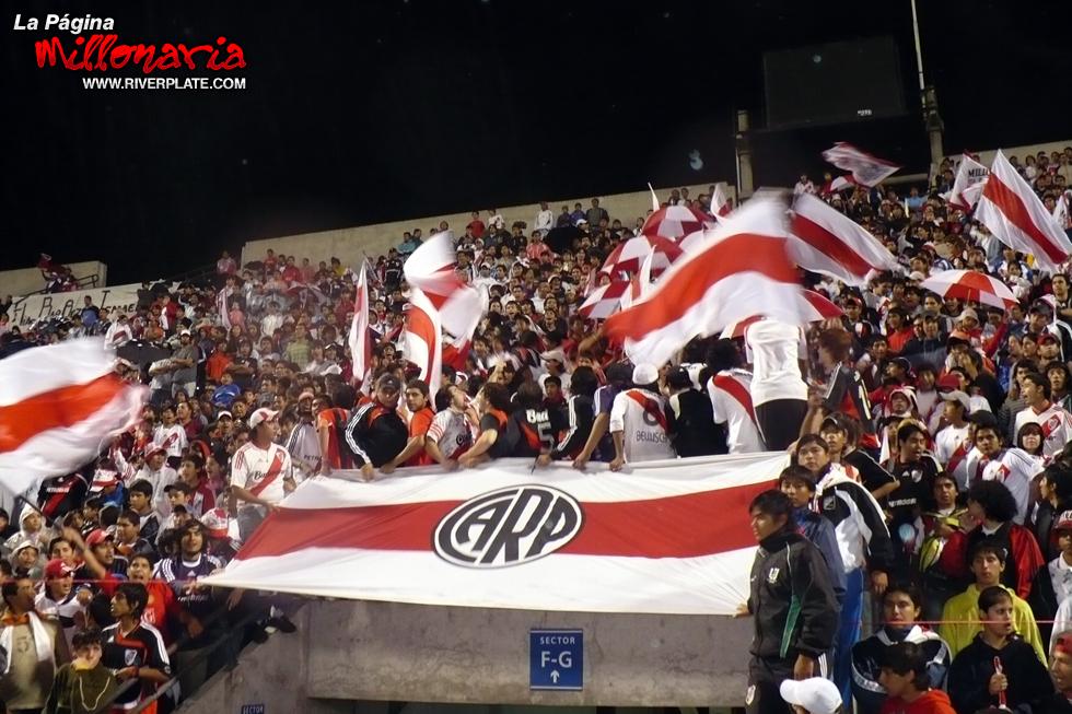 River vs Independiente (Beneficio - Salta 2009) 2