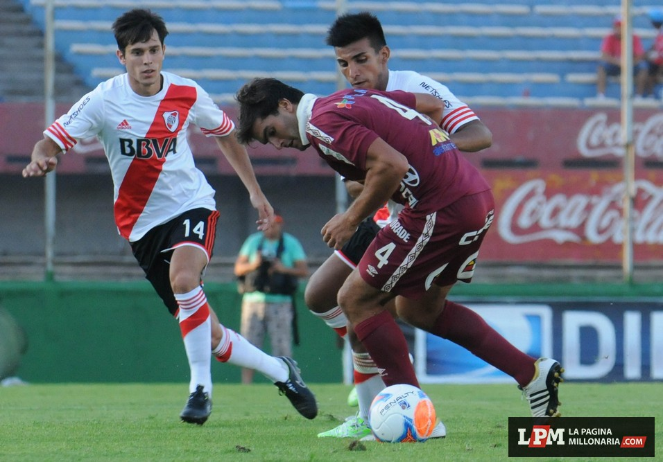 River vs. Universitario (Montevideo - Enero 2015) 10