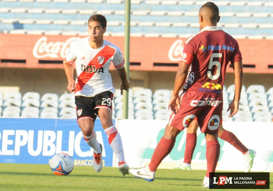 River vs. Universitario (Montevideo - Enero 2015) 12