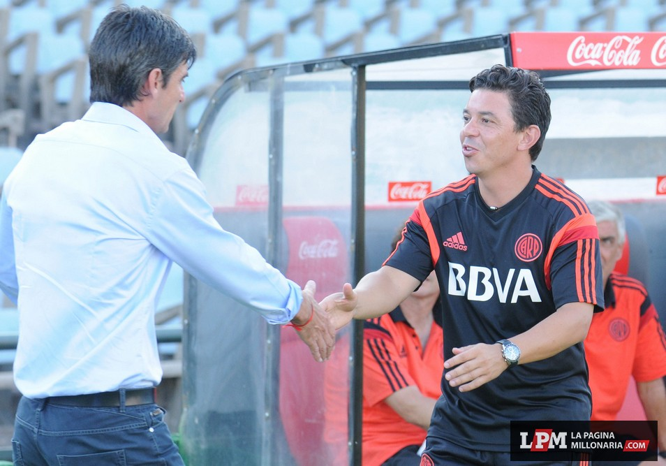 River vs. Universitario (Montevideo - Enero 2015) 5