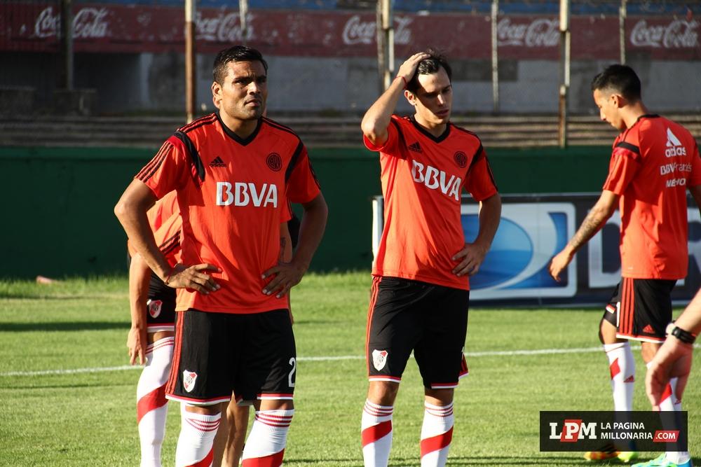 River vs Peñarol (Montevideo - Enero 2015) 40