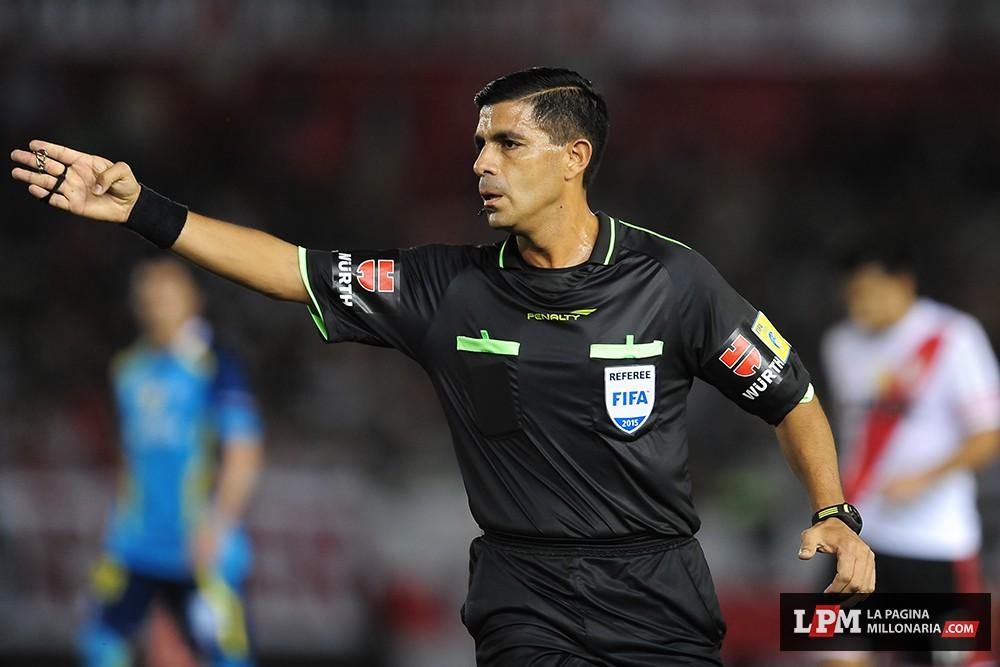 River vs Sevilla (Supercopa Euroamericana - Marzo 2015) 30
