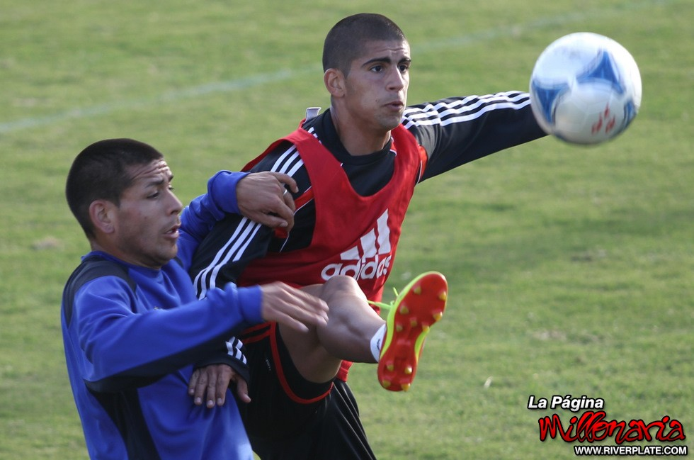 River vs. Riestra (Ezeiza)