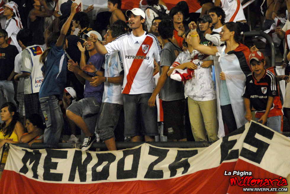 San Martin (MZA) vs River Plate (Beneficio 2009) 2