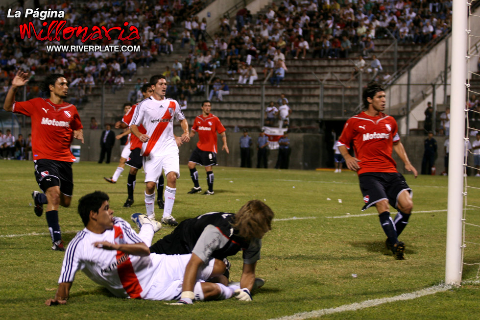 River vs Independiente (Salta, Triangular 2010) 12