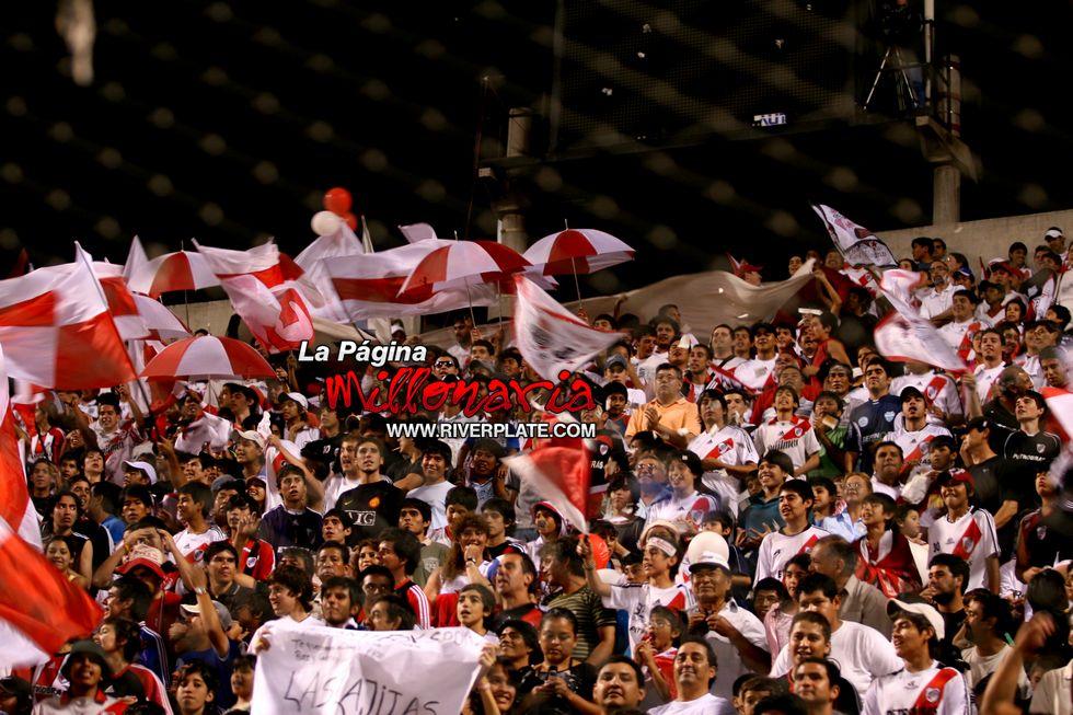 River vs Independiente (Salta, Triangular 2010) 17