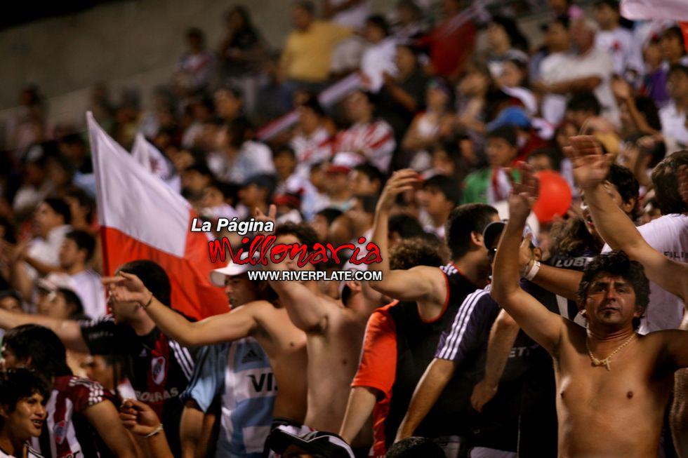 River vs Independiente (Salta, Triangular 2010) 18