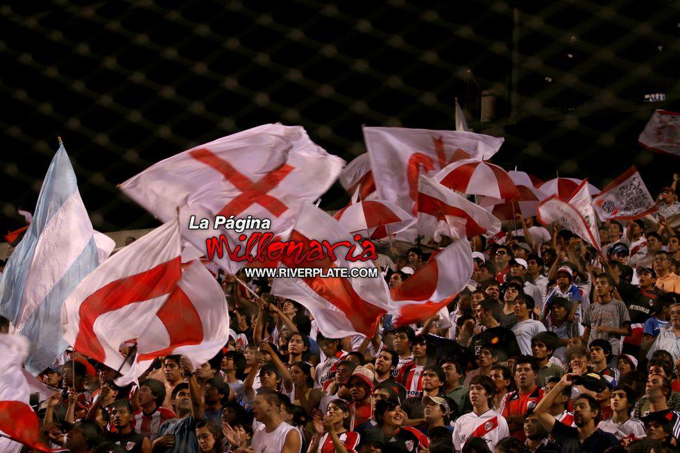 River vs Independiente (Salta, Triangular 2010) 23