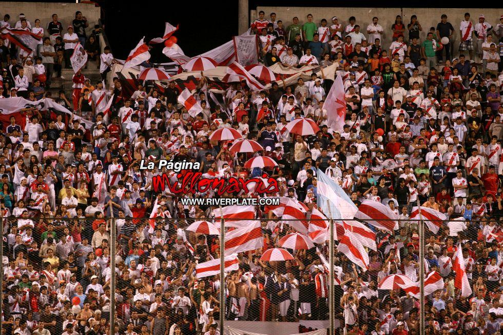 River vs Independiente (Salta, Triangular 2010) 25