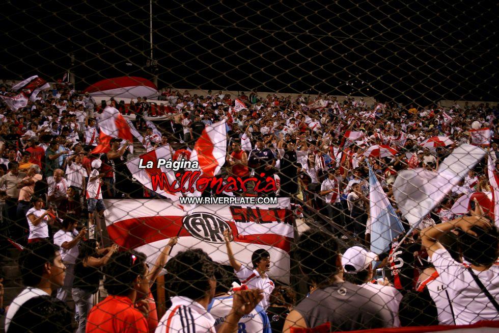 River vs Independiente (Salta, Triangular 2010) 33
