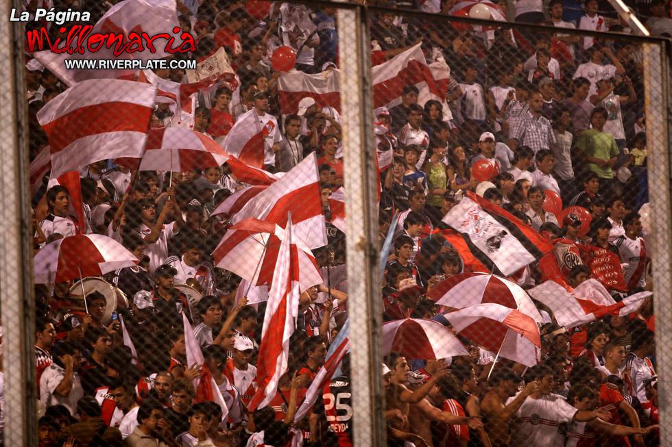 River vs Independiente (Salta, Triangular 2010) 4