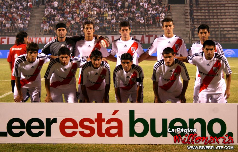 River vs Independiente (Salta, Triangular 2010) 6